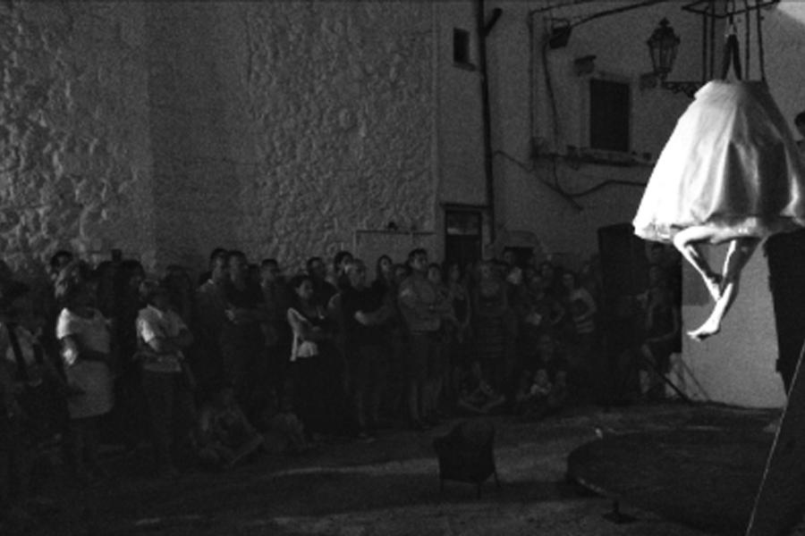 Ostuni Luce ed Arte, Martina Nova, notte di San Giovanni, eventi estivi, spettacoli, la fucina del circo, torino